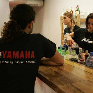 """חולצה בהדפסה מיוחדת בחיתוך, לאירוע השקת אופנוע R6 של חברת """"YAMAHA""""."""