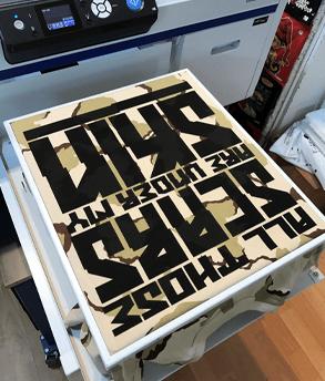 הדפסת כיתוב על חולצה