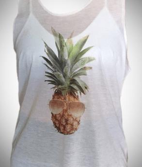 הדפסה על חולצה לבנה